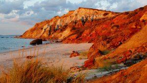http://www.wallpaperup.com/183680/nature_head_cliffs_vineyard_Massachusetts_beaches.html